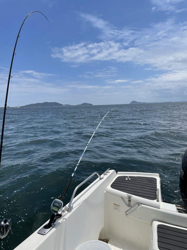 ARCADIA号LOGBOOK 6月12日 DAY15神島沖まで行って釣れねえ。
